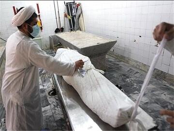فعالیت 35 طلبه یزدی در غسل و کفن اموات کرونایی