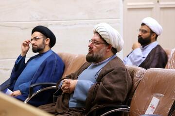 فیلم | تجلیل از روحانیون روانشناس جهادی حاضر در بیمارستانهای قم