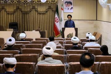 تصاویر/ گردهمایی  و تجلیل از روحانیون روانشناس جهادی حاضر در بیمارستانها و آرامستانهای قم