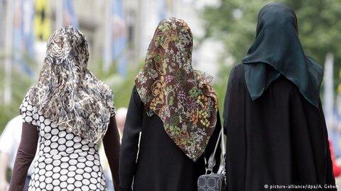شکایت زن مسلمان از پلیس یانکرز به سبب کشف حجاب اجباری