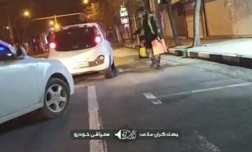 کلیپ   ضدعفونی خودروها توسط طلاب جهادی زنجان