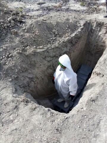 تصاویر شما/ تغسیل اموات کرونایی توسط طلاب جهادی هرمزگان