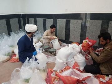 ۱۱۴ بسته حمایتی بین نیازمندان شهر ارومیه توزیع شد+ عکس