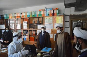 تصاویر/  بازدید طلاب و روحانیون ارومیه از مرکز بهداشت این شهرستان