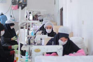 تصاویر/ تولید ماسک توسط گروه جهادی سردار سلیمانی در بیرجند