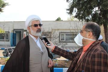 خداقوت مدیر حوزه علمیه قزوین به کارگران شرکت تولیدی الکل و مواد غذایی بیدستان