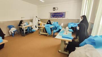 تولید روزانه ۳۰ هزار دستکش و ۵۰۰ لباس بیمارستانی در قرارگاه جهادی روحانیون اصفهان