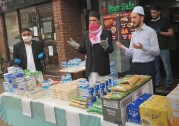 Coronavirs: Muslims at Sizzler Express give away free food