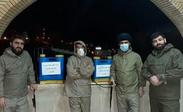 استمرار ضدعفونی معابر عمومی توسط روحانیون و طلاب کامیارانی