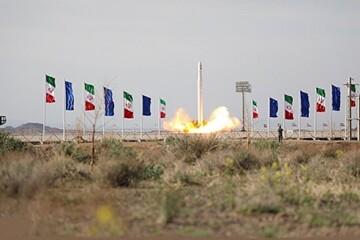 تبریک تولیت آستان قدس رضوی در پی پرتاب موفقیتآمیز ماهواره نور
