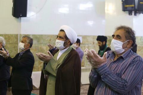 تصاویر/ برگزاری نماز جماعت با رعایت پروتکل های بهداشتی