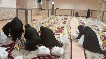 فیلم / گوشه ای از فعالیت جهادی طلاب حوزه علمیه خواهران بناب در مبارزه با کرونا