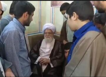 فیلم | تصاویری از مرحوم آیت الله حدائق در جمع طلاب مدرسه علمیه منصوریه شیراز