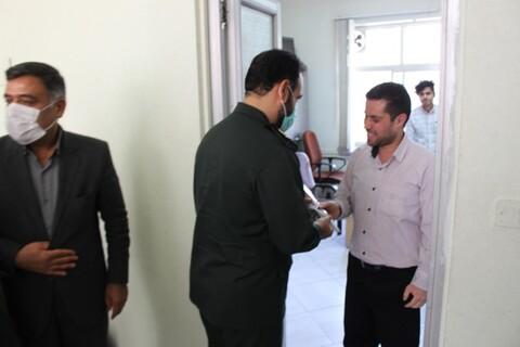 تصاویر/ اهدای گل به مجموعه فرهنگیان توسط فرمانده سپاه و مدیر حوزه علمیه سمنان