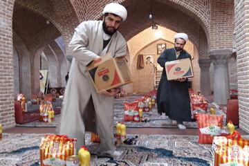 تصاویر/ رزمایش همدلی و مواسات بسیج طلاب و روحانیون آذربایجان شرقی