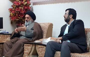هر کس از انقلاب و نظام اسلامی دور شود، به معنای واقعی زیان دیده است