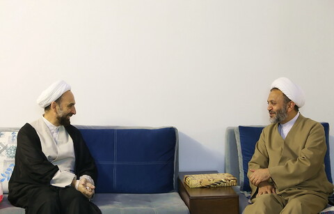 حضور نمایندگان رئیس قوه قضائیه و مدیر حوزه های علمیه در منزل مرحوم خانم داودی