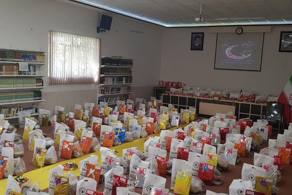 توزیع بسته های معیشتی ویژه خانواده های محروم در عید غدیر