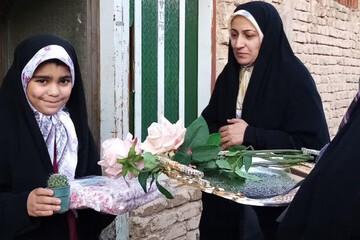تصاویر/ جشن تکلیف خانه به خانه به همت مدرسه کریم اهل بیت(ع) در مهریز
