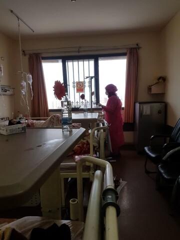 تصاویری از حضور بانوان طلبه جهادگر در بیمارستان شهید بهشتی قم