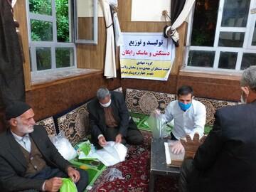 فیلم/ تولید دستکش به همت امام جماعت در شهرستان میاندوآب