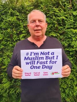 پویش «من مسلمان نیستم اما یک روز روزه خواهم گرفت» در بلکبرن برگزار شد