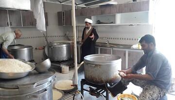 ۱۲۰۰ غذای گرم بین نیازمندان کرمانشاه توزیع می شود