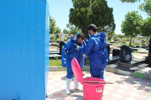 تصاویر/ تغسیل و تدفین اموات کرونایی توسط مدیر و اساتید مدرسه علمیه امیرالمؤمنین (ع) تاکستان