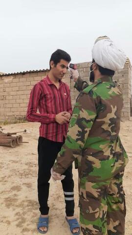 تصاویر شما/  طلاب جهادی امیدیه خوزستان پای کار مبارزه با کرونا