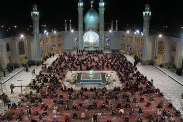 تصاویر/ احیای شب نوزدهم ماه مبارک رمضان در حرم محمد هلال بن علی (ع) آران و بیدگل