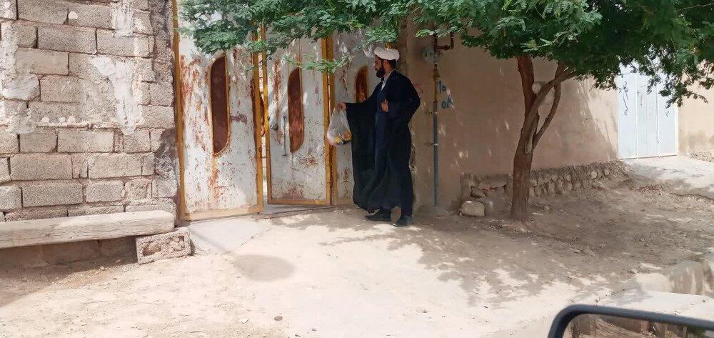 تصاویر/ رزمایش مواسات و همدلی طلاب جهادی در روستاهای محروم دهلران