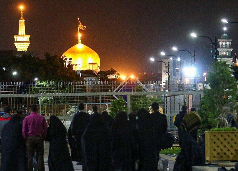 تصاویر/ حال و هوای شب نوزدهم ماه مبارک رمضان در جوار حرم مطهر رضوی