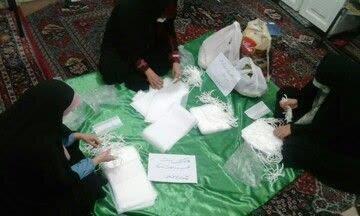 فیلم / گوشه ای از فعالیت جهادی طلاب مدرسه علمیه معصومیه تبریز در مبارزه با کرونا