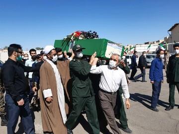 تصاویر/ تشییع پیکر علی مدد غلامی شهید مدافع حرم در کاشان