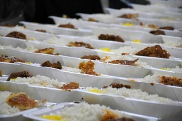 توزیع ۲ هزار غذای گرم بین نیازمندان بیرجند