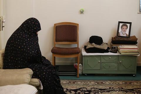 تصاویر/ حضور نمایندگان رئیس قوه قضائیه و مدیر حوزههای علمیه در منزل مرحوم آیت الله سید جعفر کریمی