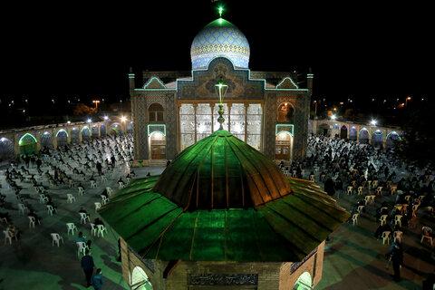 تصاویر احیای شب بیست و یکم ماه مبارک رمضان در امامزاده حسین(ع) قزوین
