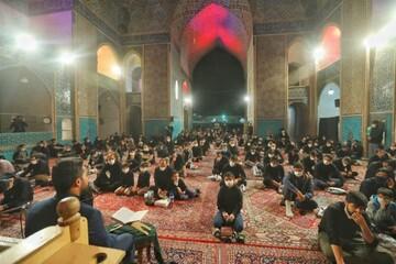 بالصور/ إحياء ليلة الحادي والعشرين من شهر رمضان المبارك في مختلف أرجاء إيران (1)
