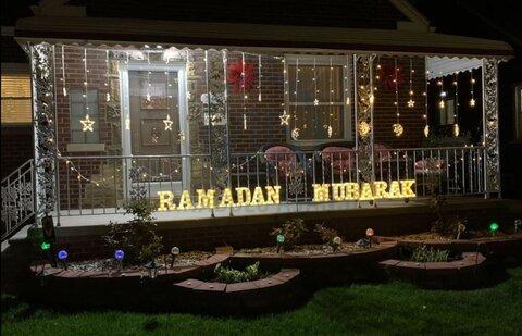مسلمانان میشیگان خانه هایشان را برای ماه رمضان چراغانی کردند