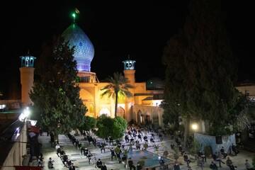 تصاویر/ احیای شب بیست و سوم رمضان در حرم علی بن حمزه(ع) شیراز