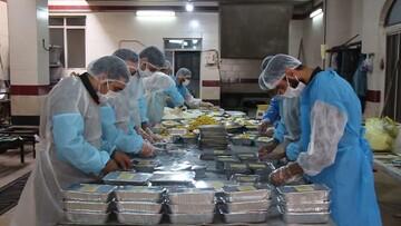 توزیع  ۱۱۰ بسته معیشتی بین نیازمندان و بیماران کرونایی کاشان