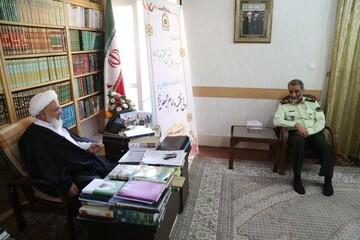 تصاویر/ دیدار فرمانده جدید انتظامی یزد با نماینده ولی فقیه در استان