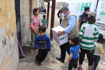 Turkish aid agencies lend a helping hand to liberated Syrian provinces during Ramadan