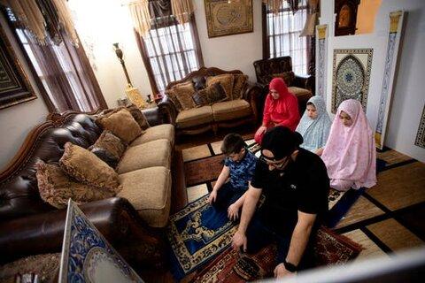 خانواده های مسلمان آمریکایی در ماه رمضان «مینی مسجد» ساختند