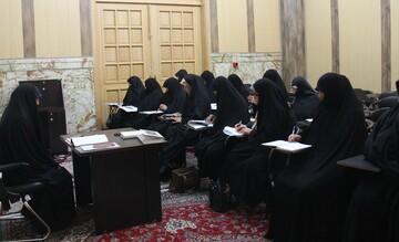برگزاری ۴۲۳ برنامه با بیش از ۲۴ هزار و ۷۵۰ مخاطب در رواق حضرت خدیجه(س)