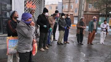 اهداء بسته معیشتی به کارگران بیکار
