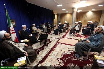 گزارشی از نشست گروه های جهادی عرصه سلامت با آیت الله اعرافی