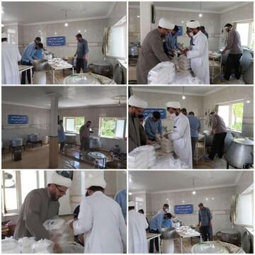 تهیه و توزیع غذای گرم از سوی دفتر امام جمعه تکاب