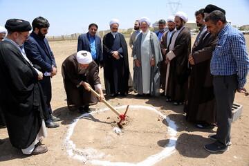 مراسم کلنگزنی پروژه مجتمع آموزشی ورزشی شهید سلیمانی با حضور مدیر حوزههای علمیه و رئیس دفتر رهبر انقلاب در قم