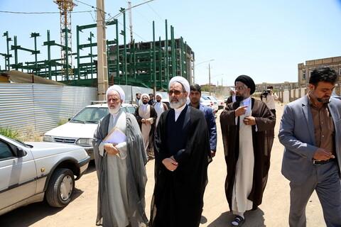 بازدید مدیر حوزههای علمیه و رئیس دفتر رهبر انقلاب در قم از پروژه ساختمان مدرسه علمیه امام جواد(ع) پردیسان